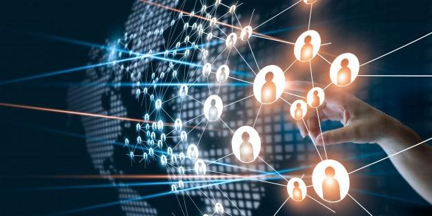 hand touching network - توسعه تجارت